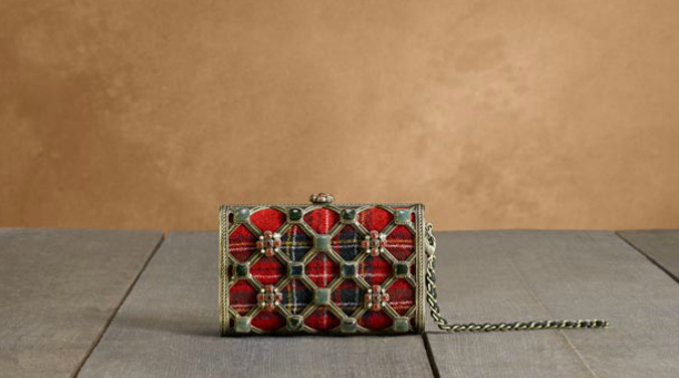 Chanel-minaudiere-in-tartan-and-metal-with-desrues-ornaments-1