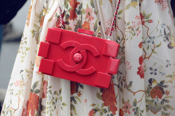 chanel-haute-couture-fall-winter-2013-14-off-the-catwalk-lego-clutch-2