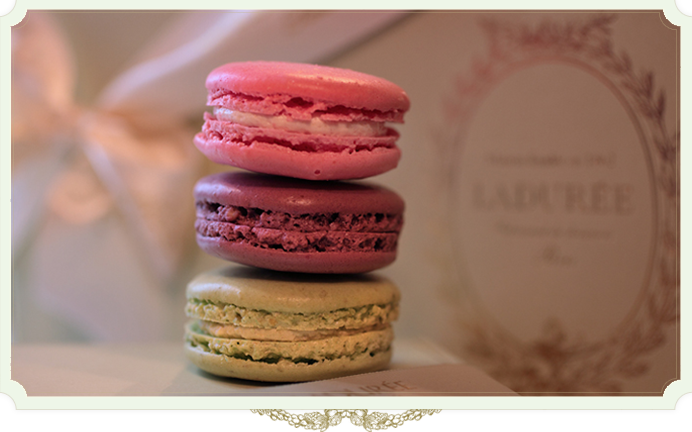 laduree maison de macarons in paris bragmybag. Black Bedroom Furniture Sets. Home Design Ideas