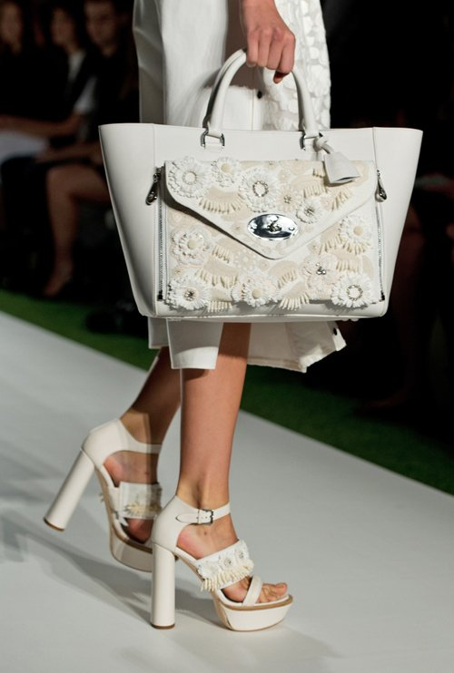 Mulberry-White-Floral-Embellished-Willow-Clutch-Bag