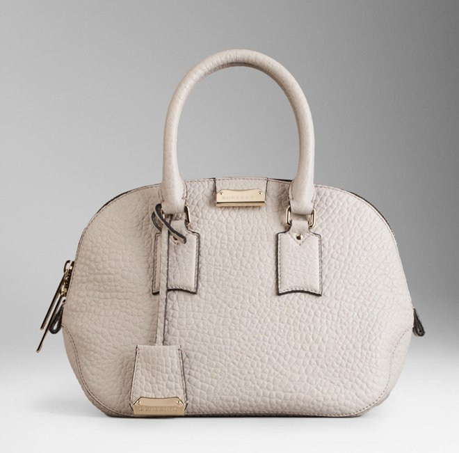burberry-the-small-orchard-in-heritage-grain-2