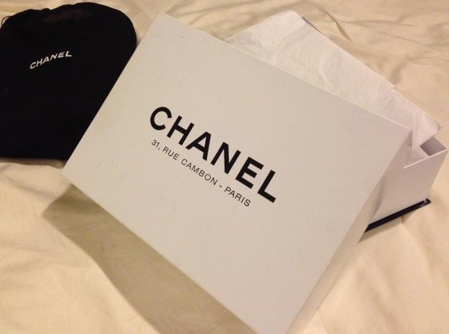 chanel-box-black-or-white
