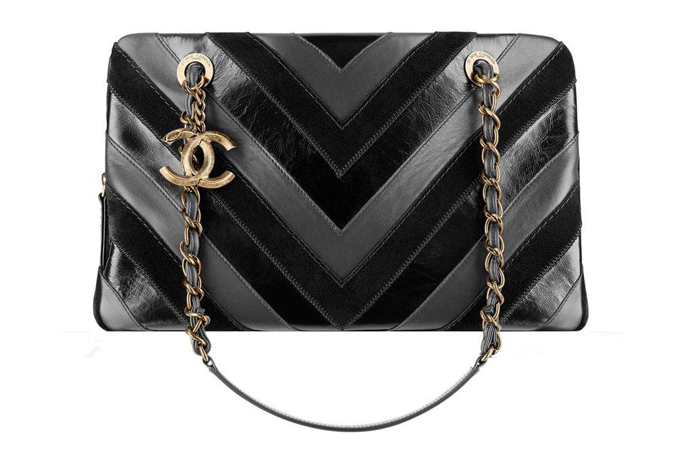 19e073a4beb0 Chanel NEW Chevron Surpique Bag | Bragmybag