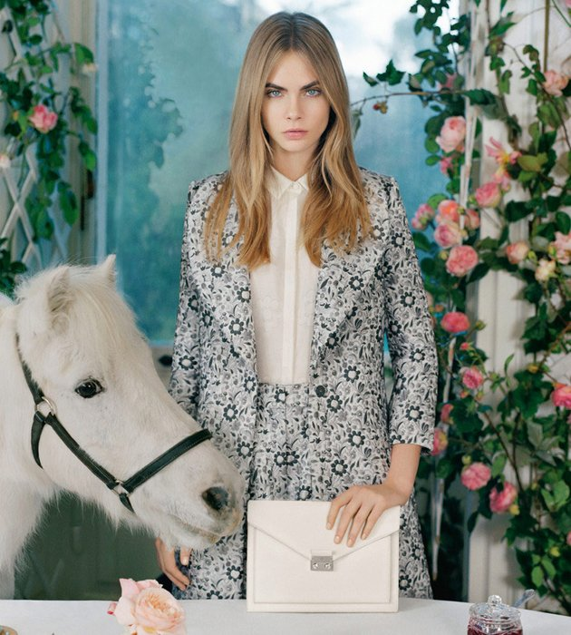 Cara-Delevingne-x-Mulberry-SS2014-Collection-3