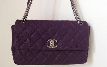 b34269e7e295 A Closer Look: Chanel Lady Pearly Flap Bag | Bragmybag