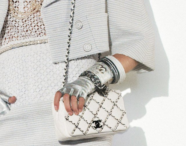 chanel-bag-chain-with-lambskin-1