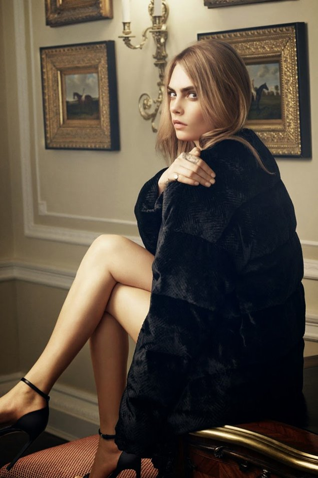 Cara-Delevingne-for Mulberry-Handbag-Ad-Campaign-2014
