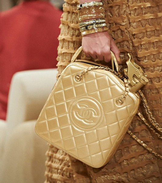 Chanel-Cruise-2014-Bag-Collection-31