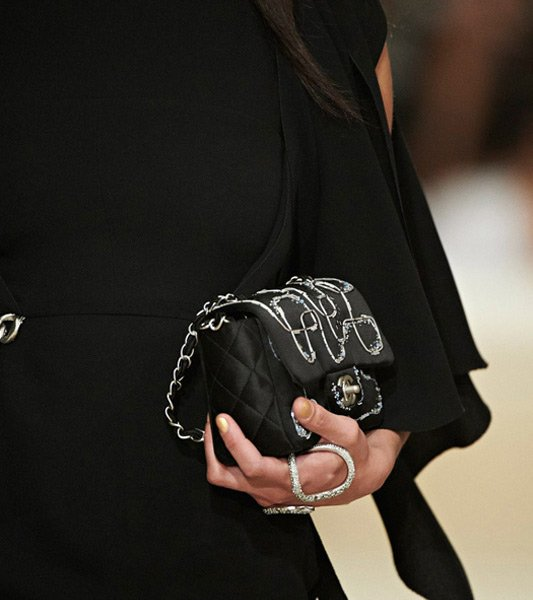 Chanel-Cruise-2014-Bag-Collection-36