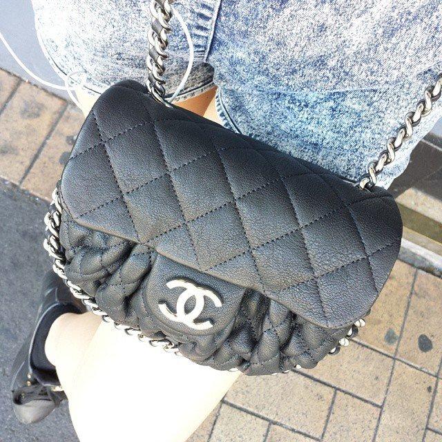 42824a9005a4 Street Snaps  Chanel Chain Around Bag – Bragmybag