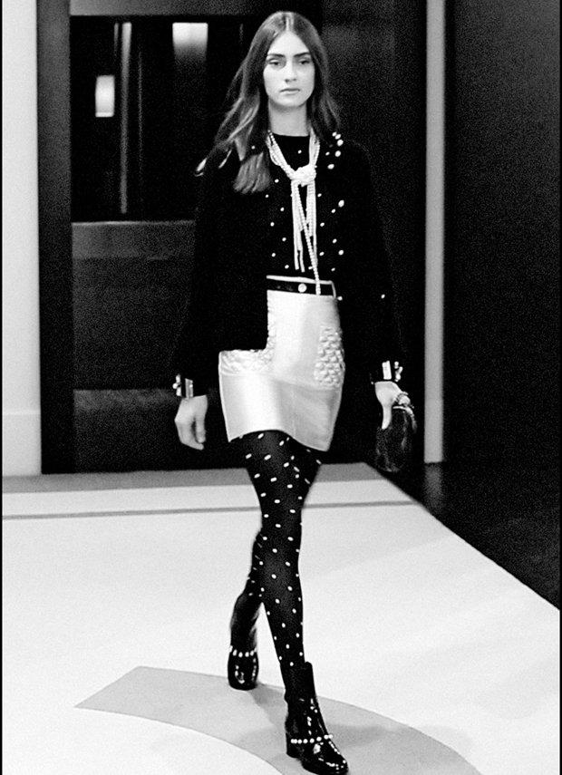 Chanel-Messenger-Bag-Calfskin-Small