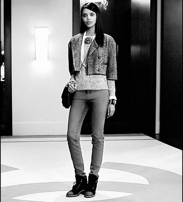 Chanel-Messenger-Bag-Calfskin