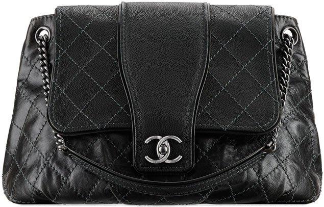 chanel-large-calfskin-messenger-bag
