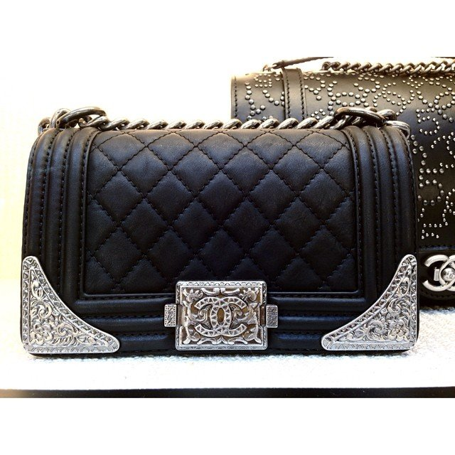Chanel-Boy-Flap-Bag-with-Metal-Edges-black-2