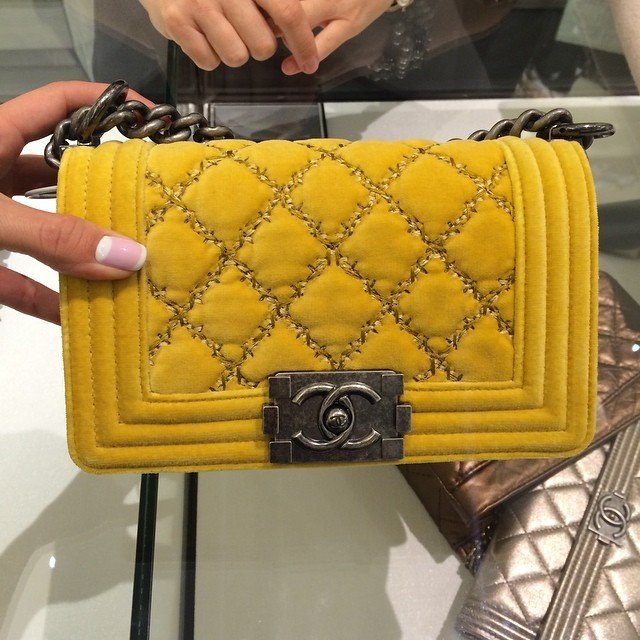 Chanel-Velvet-Flap-Bag-2