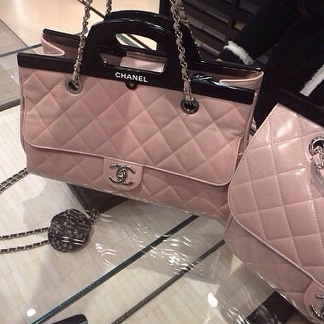 Chanel-CC-Deliver-Tote-Bag-3