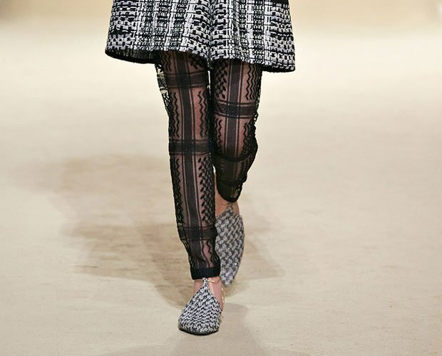Chanel-Glitter-Tweed-Slippers-5