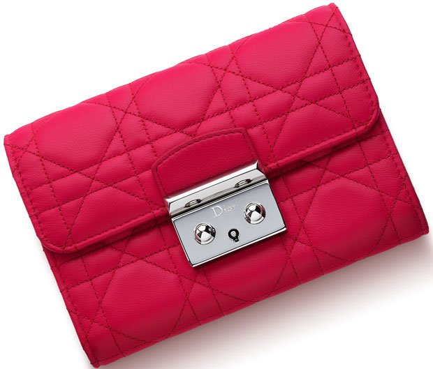 Miss-Dior-Explorateur-Wallet-4