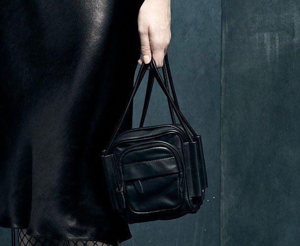 Alexander-Wang-Fall-Winter-2015-Bag-Ad-Campaign-3