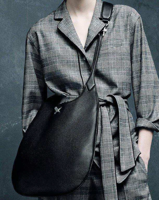 Alexander-Wang-Fall-Winter-2015-Bag-Ad-Campaign