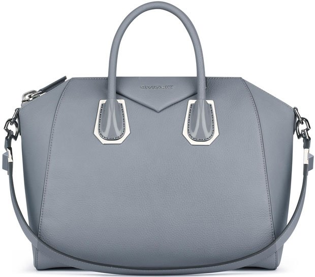 Givenchy-Antigona-medium-bag-in-grained-leather-&-plexi-details