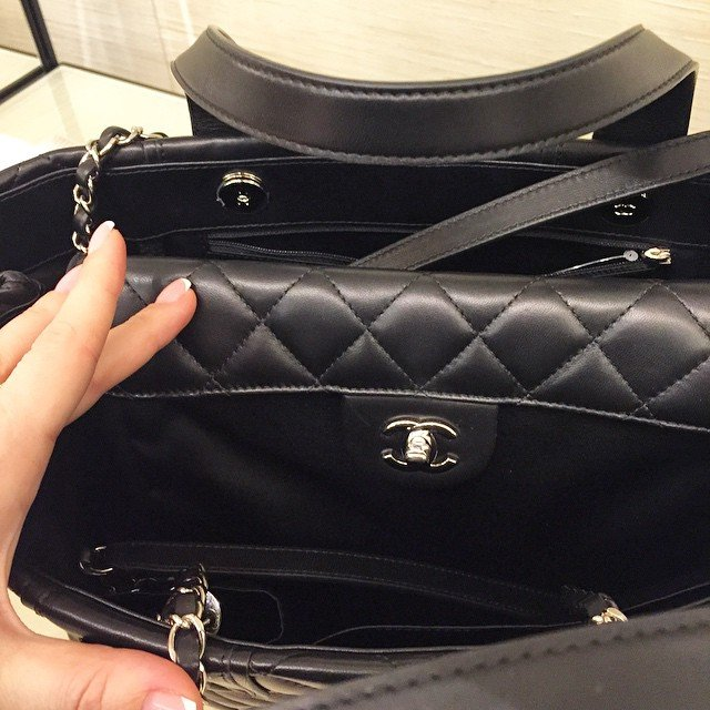 Chanel-Daily-Shopping-Tote-2