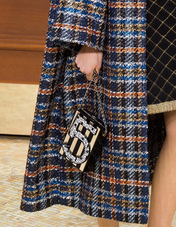 Chanel-Fall-Winter-2015-Runway-Bag-Collection-15