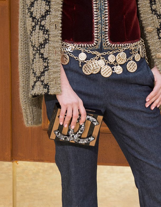 Chanel-Fall-Winter-2015-Runway-Bag-Collection-17