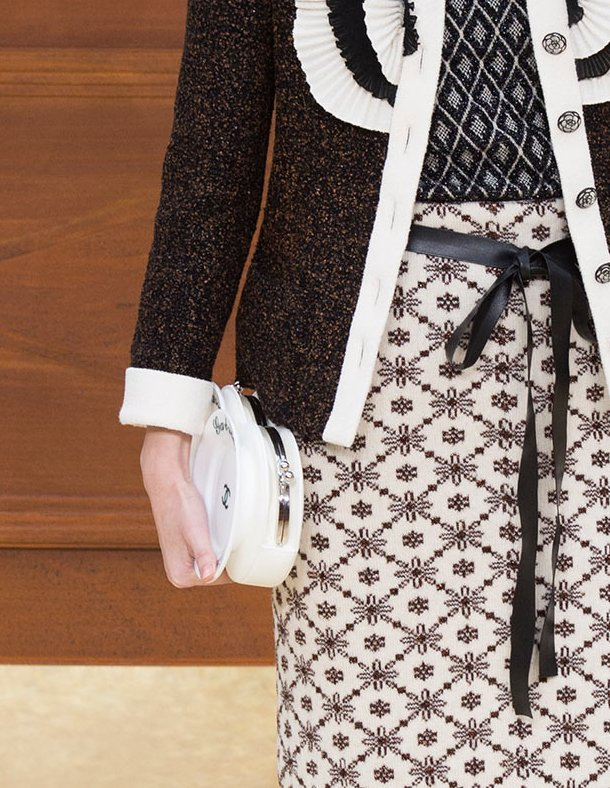 Chanel-Fall-Winter-2015-Runway-Bag-Collection-18