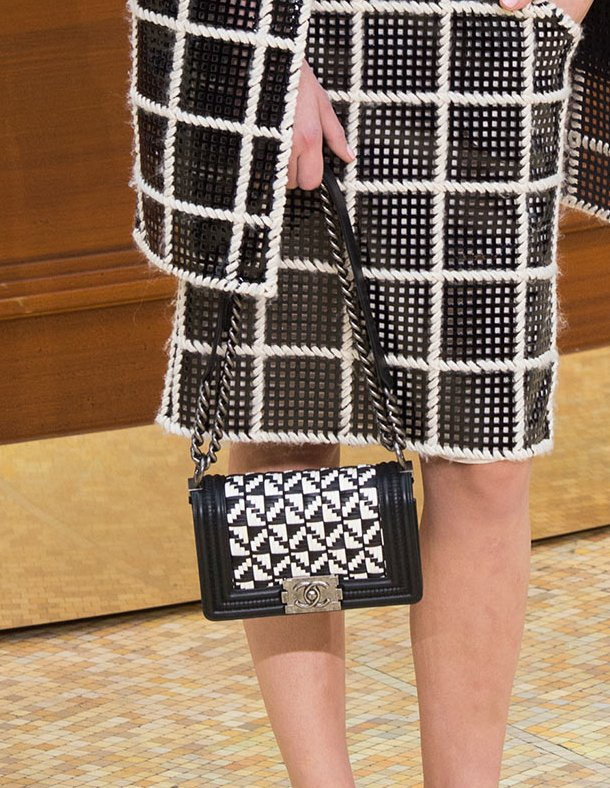 Chanel-Fall-Winter-2015-Runway-Bag-Collection-20