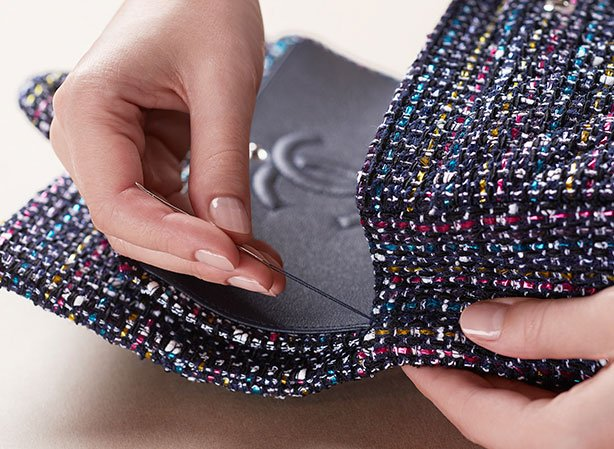 chanel-making-of-the-classic-tweed-flap-bag