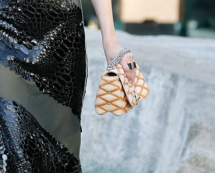 Louis-Vuitton-Cruise-2016-Bag-Collection-21