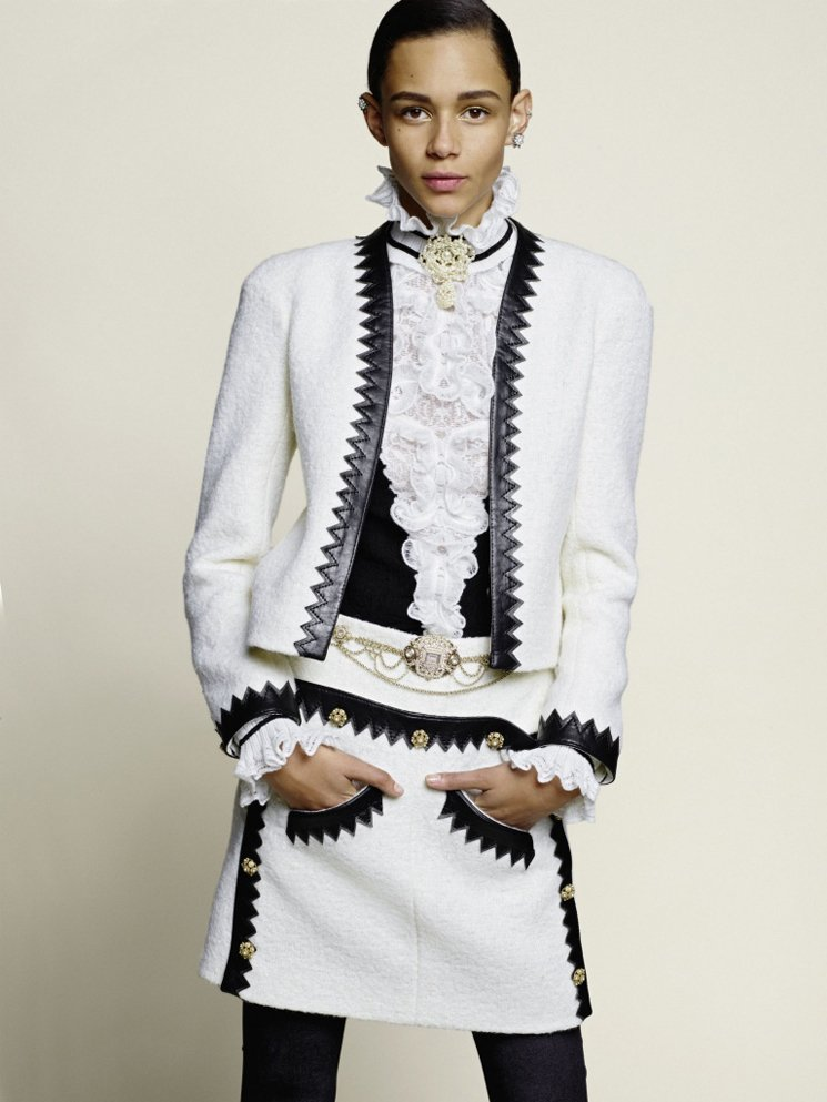 Chanel-Métiers-d'Art-Pre-Fall-2015-Lookbook-2