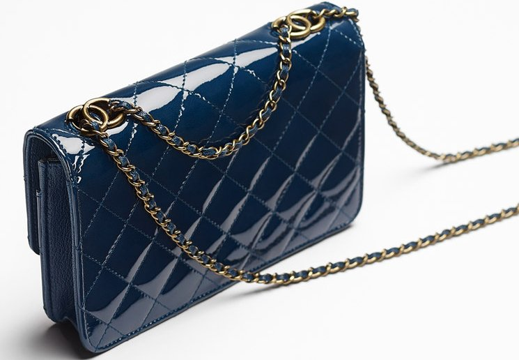 Chanel-Patent-Quilted-Wallet-On-Chain-4