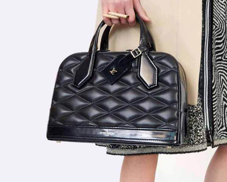 Louis-Vuitton-Fifteen-Girls-Descending-A-Staircase-Bag-Collection-6