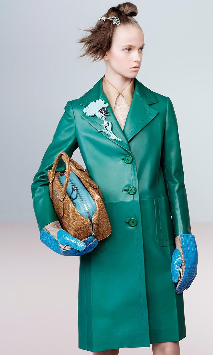 Prada-Fall-Winter-2015-Ad-Campaign-Featuring-The-Inside-Tote-Bag-10