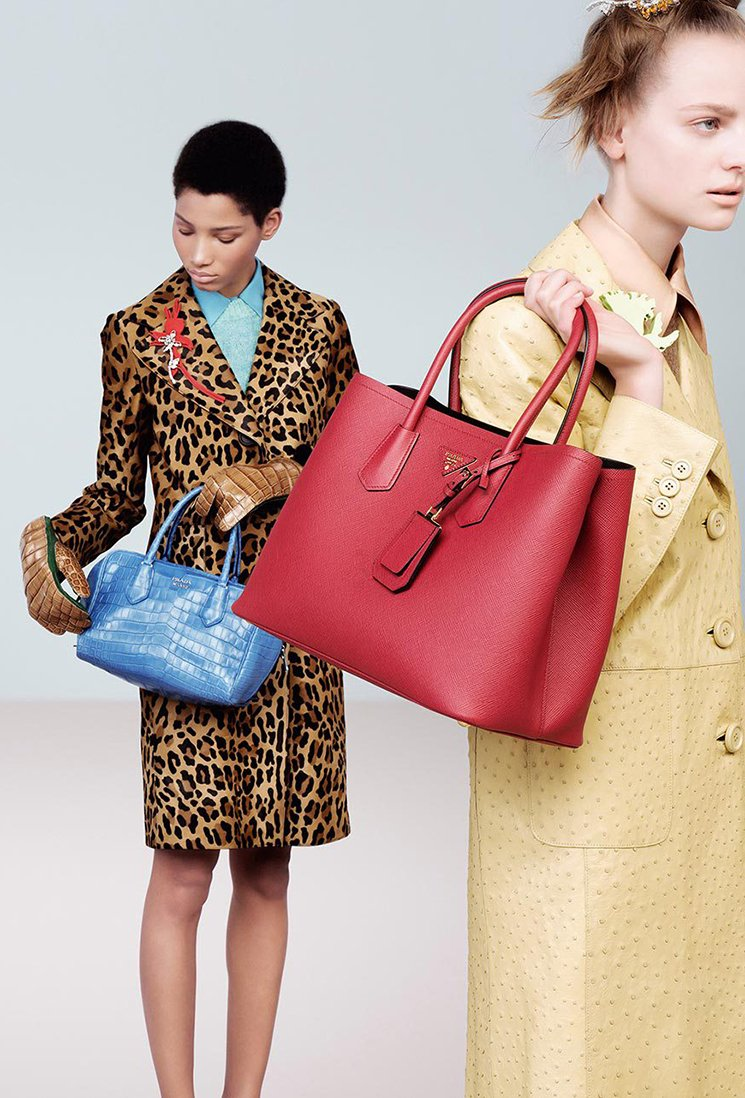 Prada-Fall-Winter-2015-Ad-Campaign-Featuring-The-Inside-Tote-Bag-9