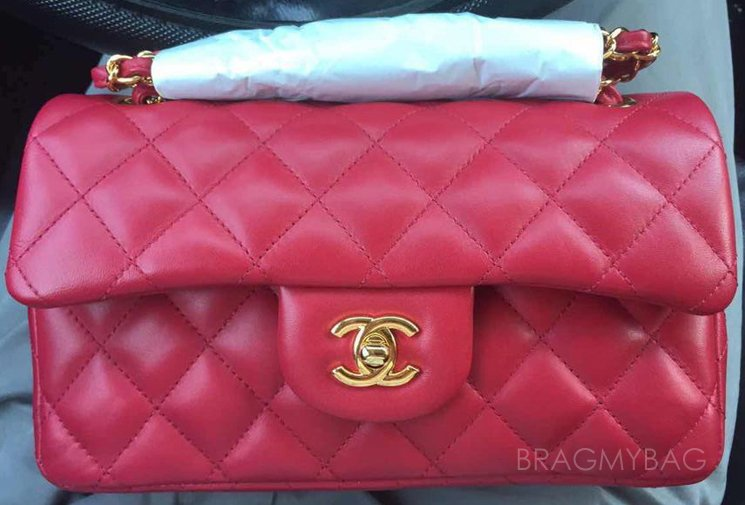 Chanel-Classic-Flap-Bag-Red