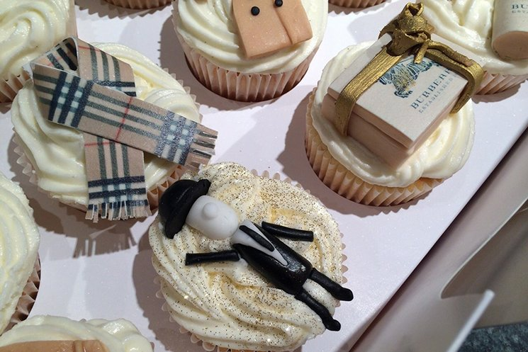 Eat-Me-Maybe-Fashion-Cakes
