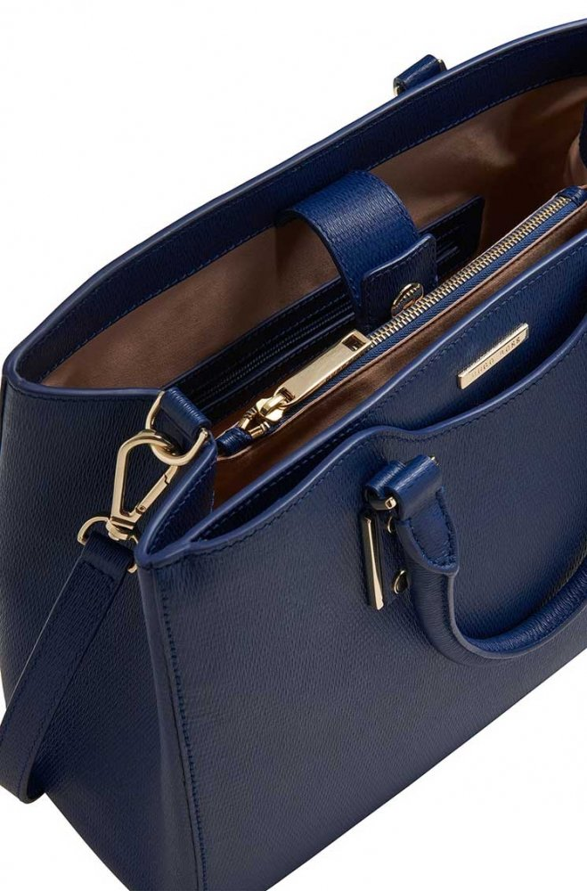 Huge-Boss-2015-Must-Have-Handbags-11