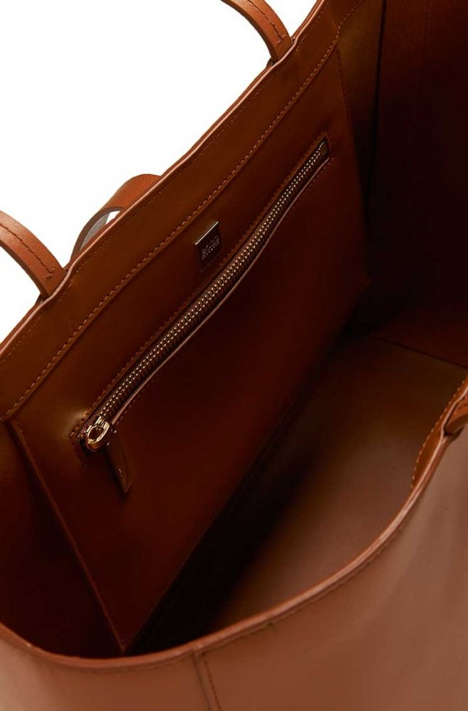 Huge-Boss-2015-Must-Have-Handbags-9