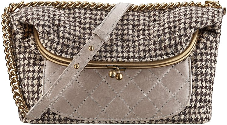 Chanel-Fall-Winter-2015-Bag-Collection-29