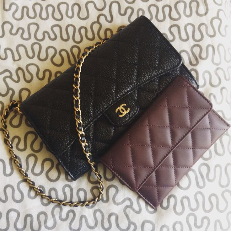 Shopping-with-Ninar-Chanel-Small-Caviar-Pouch-with-Chain-3