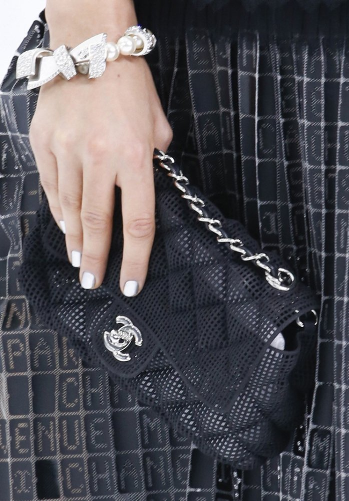 Chanel-Spring-Summer-2016-Runway-Bag-Collection-Featuring-Quilted-Mini-Luggage-Shoulder-Bag-14