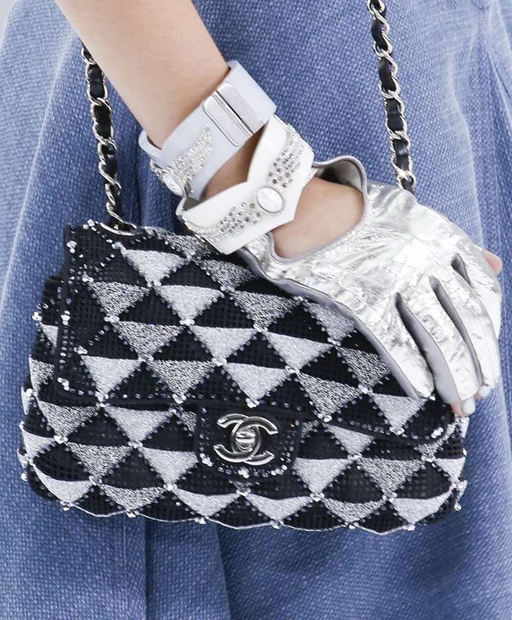Chanel-Spring-Summer-2016-Runway-Bag-Collection-Featuring-Quilted-Mini-Luggage-Shoulder-Bag-18