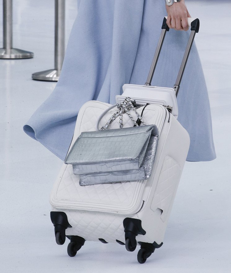 Chanel-Spring-Summer-2016-Runway-Bag-Collection-Featuring-Quilted-Mini-Luggage-Shoulder-Bag-20
