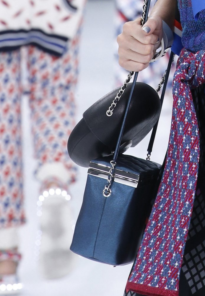Chanel-Spring-Summer-2016-Runway-Bag-Collection-Featuring-Quilted-Mini-Luggage-Shoulder-Bag-7