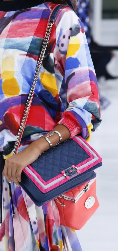 Chanel-Spring-Summer-2016-Runway-Bag-Collection-Featuring-Quilted-Mini-Luggage-Shoulder-Bag-9