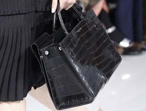 Chanel-Click-Label-Bag