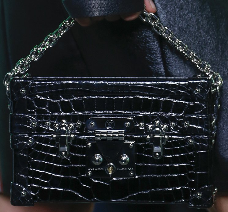 Louis-Vuitton-Spring-Summer-2016-Runway-Bag-Collection-Featuring-The-New-Petite-Malle-Bag-8
